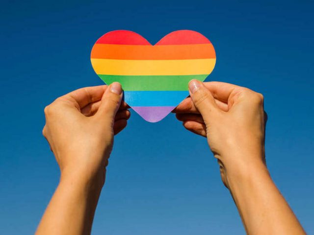 El efecto de las citas en línea en la comunidad LGBT