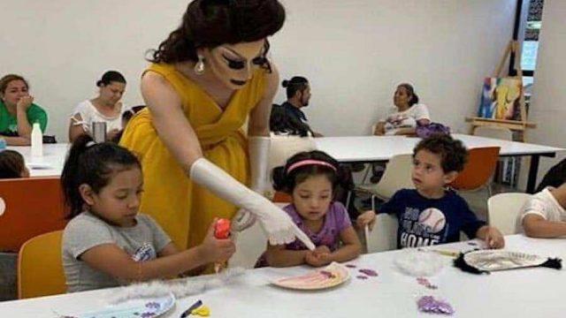 Diputado se indigna porque drag queens dan clases a niños