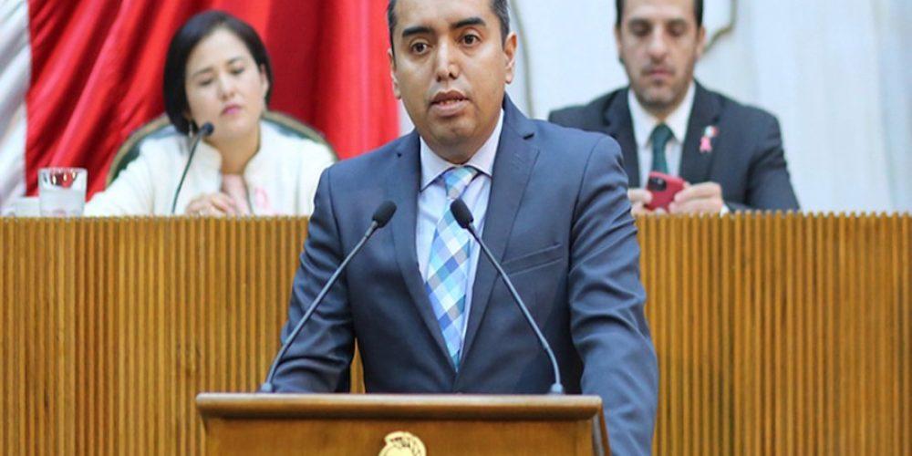 Morena expulsa a Carlos Leal, Diputado de Nuevo León, por hacer comentarios homófobos