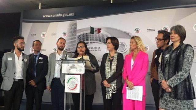 """Morena presenta iniciativa para prohibir """"cura a la homosexualidad"""" en todo el país"""