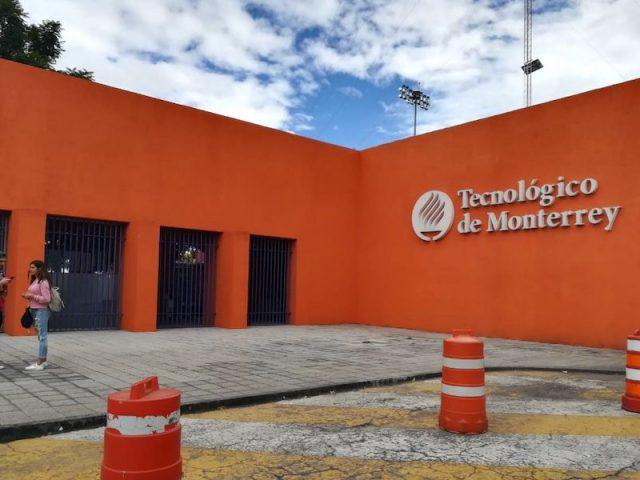 Denuncian que Tec de Monterrey avala a grupo de estudiantes provida y bloquea feministas y LGBT+