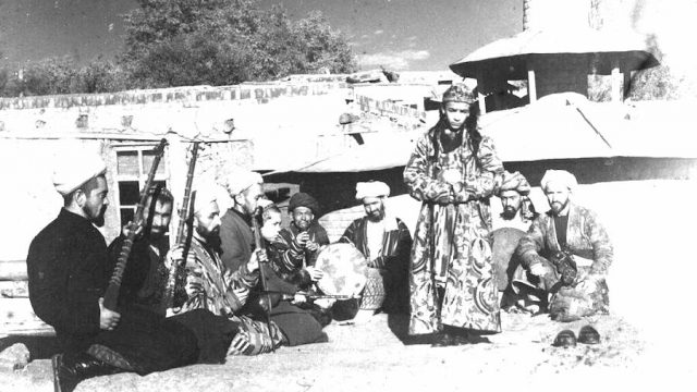 Quiénes son los Bacha Bazi, los niños prostituidos por los altos mandos de Afganistán