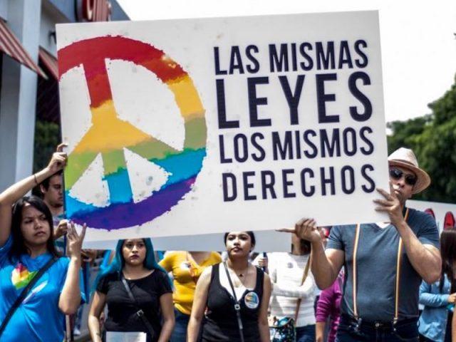 Matrimonio gay ya es una realidad en Nuevo León